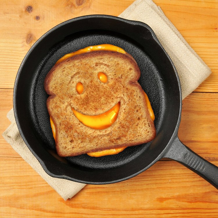 Cheesy Grin Bread Cutter