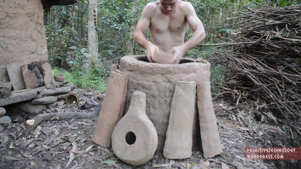How to Make a Clay Kiln and Primitive Pottery From a Termite Mound