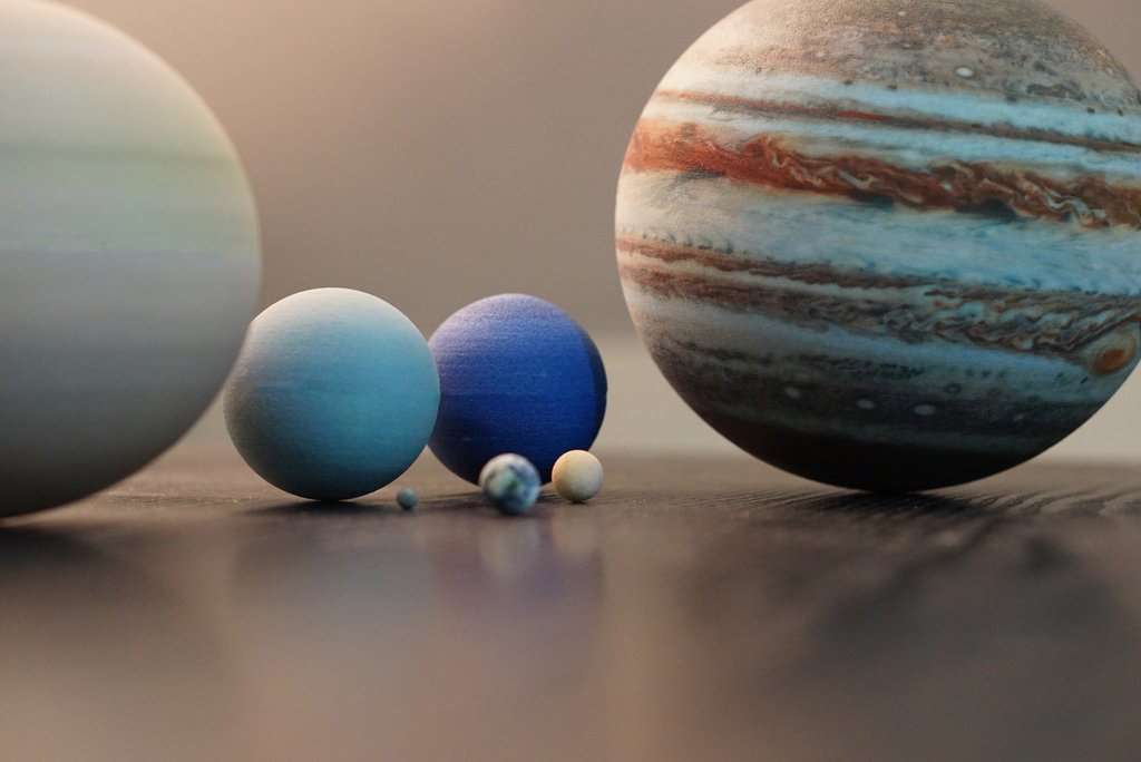 Amazing High Resolution Miniature Planets That Are 3d