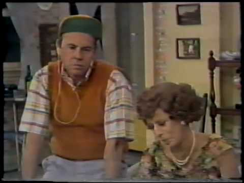 Tim Conway Slays the Carol Burnett Show Cast With Hilariously Deadpan Stories About Elephants