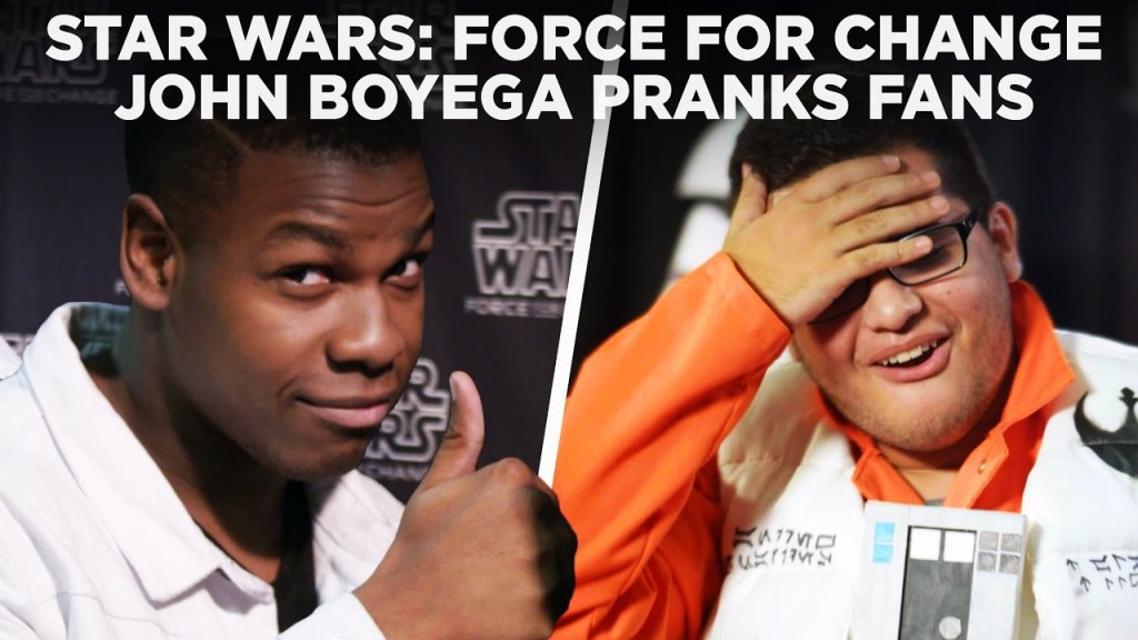 John Boyega Surprise Photobombs Fans at Star Wars Celebration for an Amazing Cause