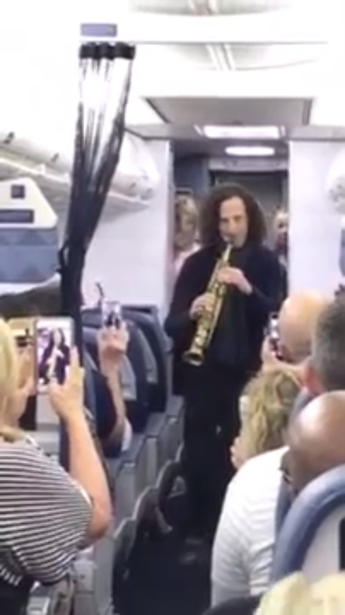 Kenny G Surprises Passengers On A Delta Flight With An