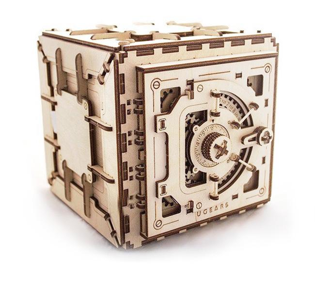 A Mechanical Wooden Combination Lock Safe Kit