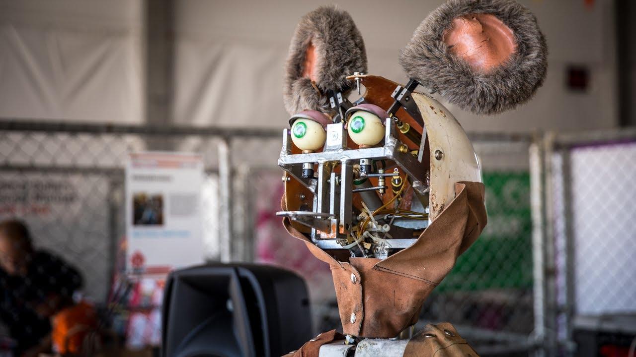 Znalezione obrazy dla zapytania animatronic showbiz pizza ...   Chuck E Cheese Animatronics Endoskeleton