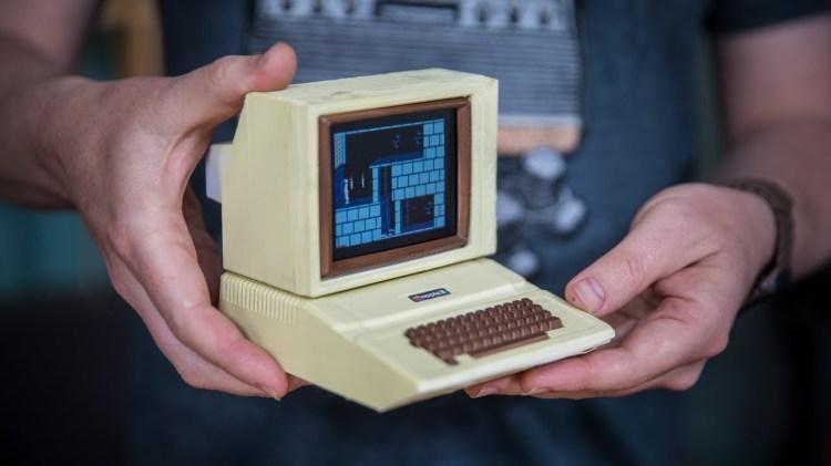 Building a Working Miniature Apple II Computer