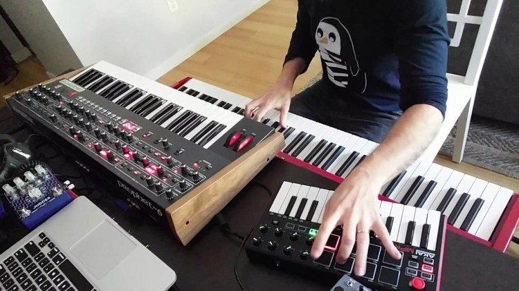 A Brilliantly Performed Synthesizer Cover of the Iconic Game of Thrones Theme