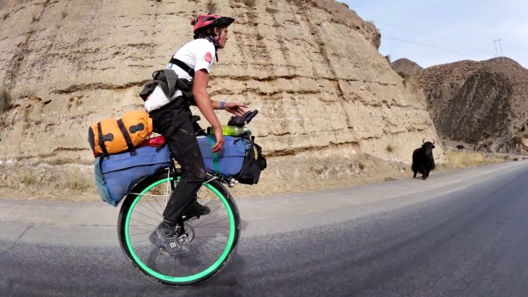 A Determined Young Man Rides His Unicycle 3,400 Miles Across China Over the Course of Six Months