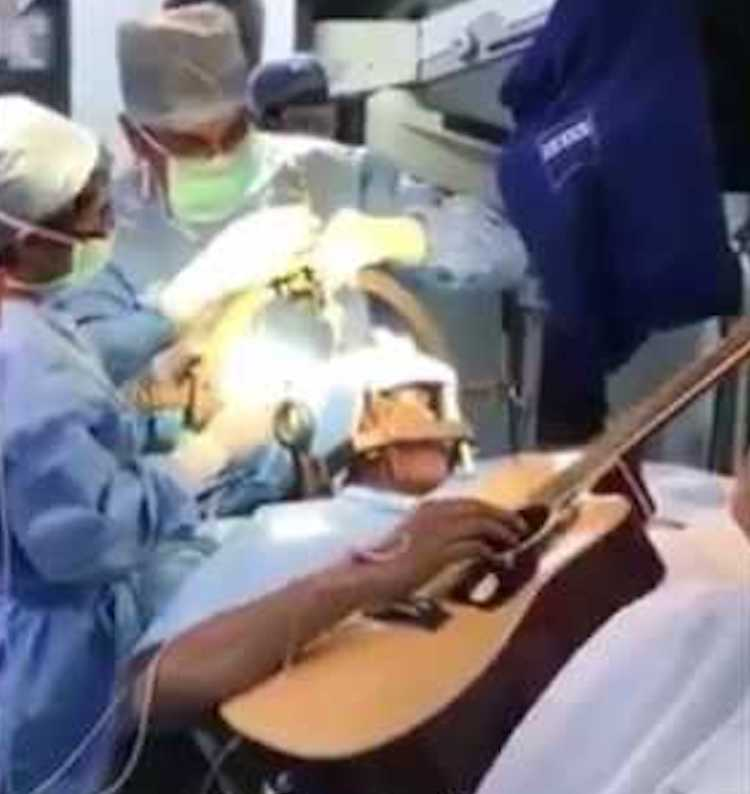 Musician Plays Guitar To Assist His Doctors While Undergoing Complicated Brain Surgery