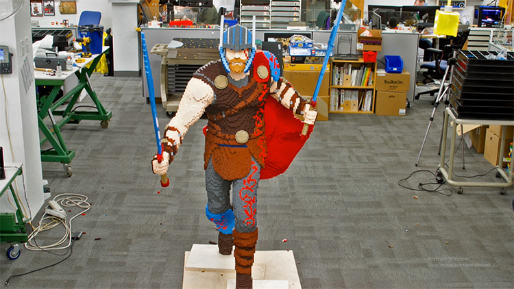 LEGO Master Builders Create a Life-Size Version of Thor in 290 Hours for Comic-Con 2017