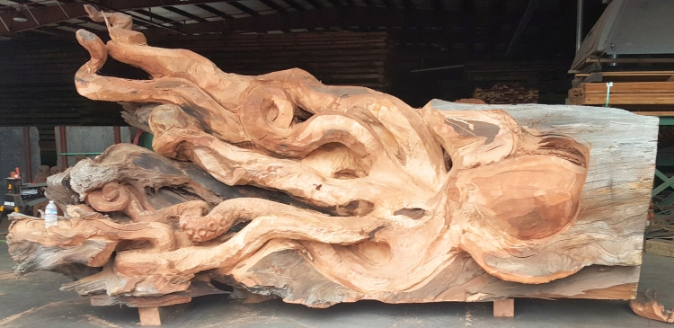 Giant Pacific Octopus Carving
