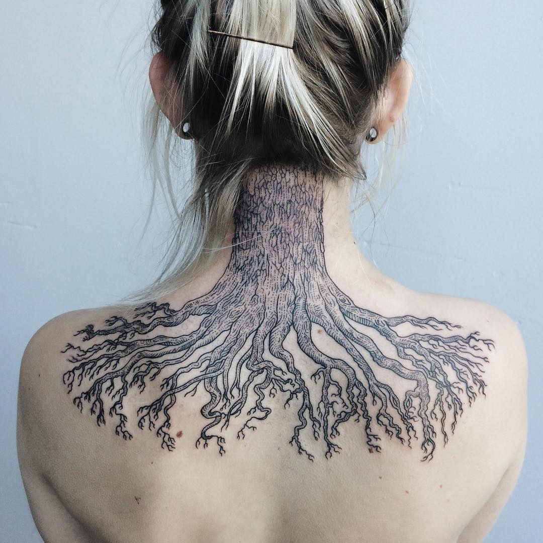 Line Art Tattoo : Beautiful black and white line art tattoos inspired by