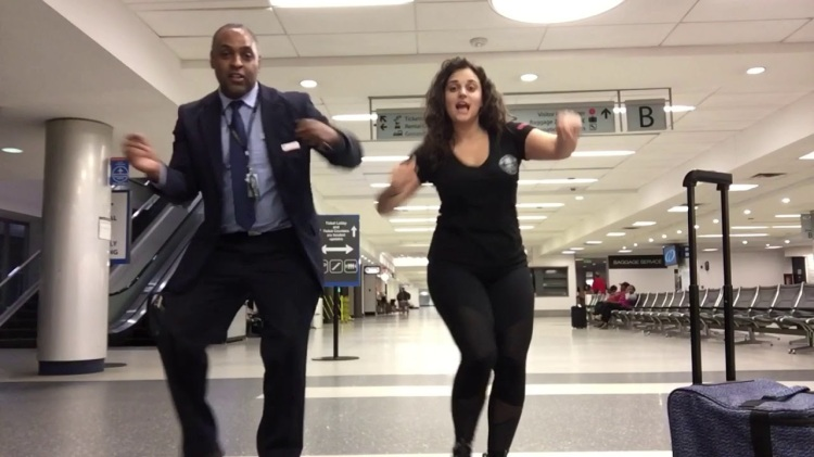 Stranded Passenger Passes Time Dancing With Airport Staff to the Lionel Richie Hit 'All Night Long'