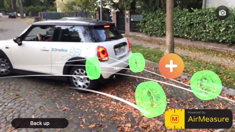 An Augmented Reality Measuring App That Helps Make Parallel