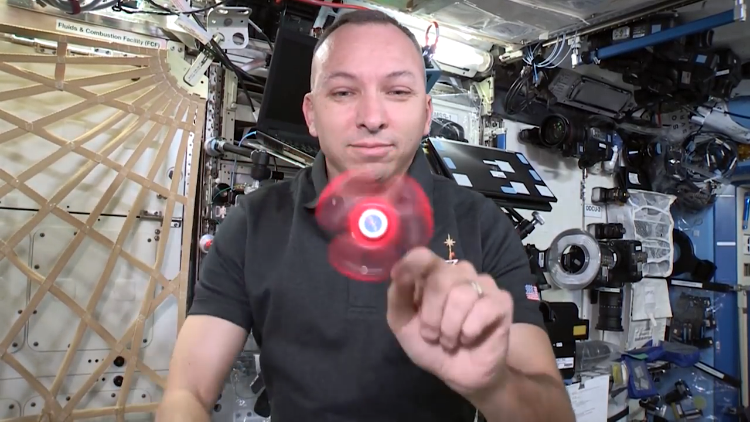 Astronauts Perform Zero Gravity Fidget Spinner Tricks in Space on the International Space Station