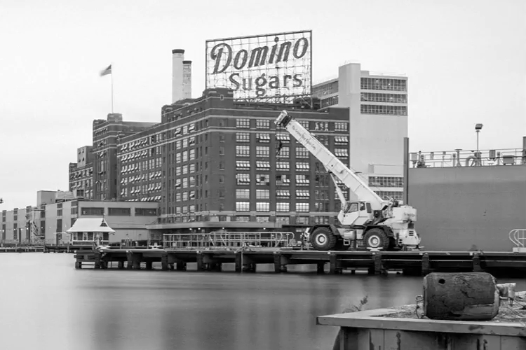 Photoshop Superhero Skillfully Removes a Giant Crane From Photo of Domino Sugar Building