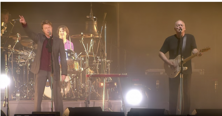 David Bowie and David Gilmour, Richard Wright Perform Pink Floyd's Debut Song 'Arnold Layne'