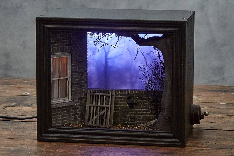 Model Maker Builds Creepy Miniature Scenes Featured Within
