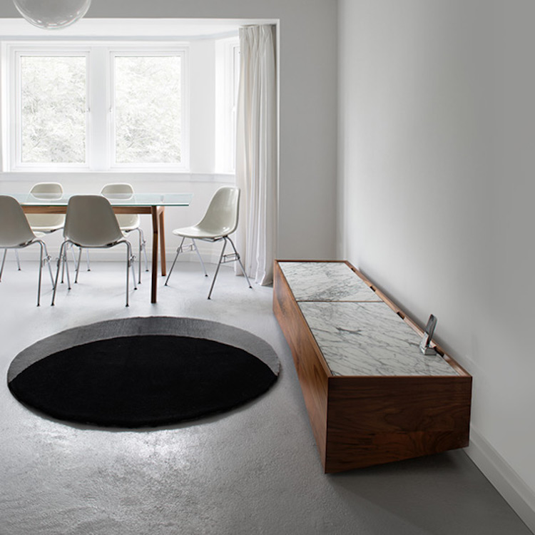 A Clever Rug That Creates The Illusion Of A Gaping Hole In