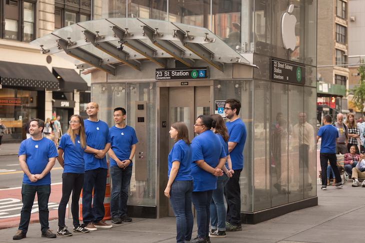 Fake Apple Employees