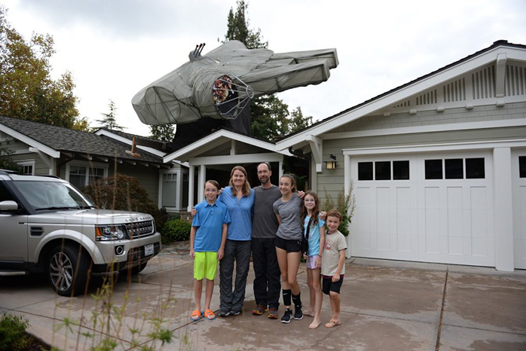 Family Builds a Giant Light-Up Millennium Falcon and Mounts It on the Roof of Their House