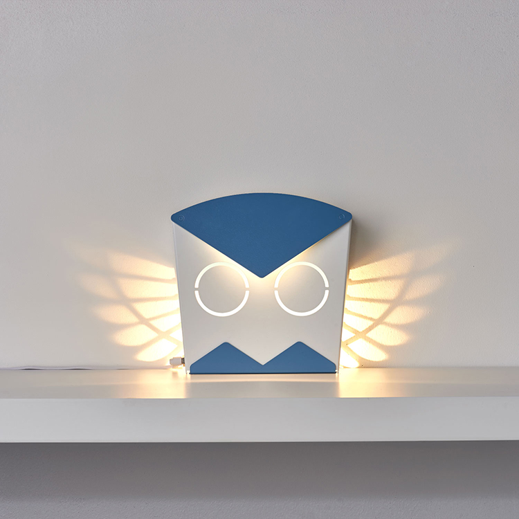 Elegant Pop Up Book Inspired Aluminum Owl Lamps That Reveal Their Wings  With Light When Turned On