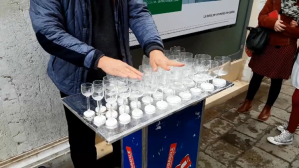 Street Performer Plays a Magical Cover of the Harry Potter Theme Song on a Glass Harp