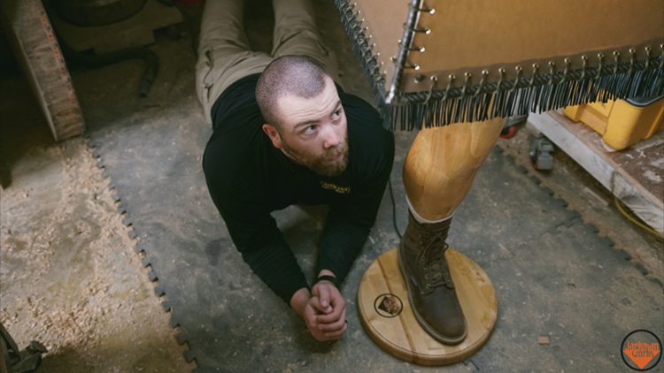 Woodworker Makes a Manly Replica of the Leg Lamp From 'A Christmas Story'
