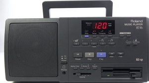 Roland MT-80S, A Portable Machine From the 1990s That Played MIDI Music Stored on 3.5 Floppy Disks
