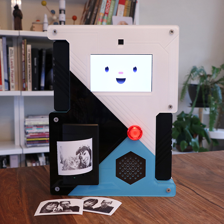 SelfieBot, A Raspberry Pi Powered Instant Camera With a Fun Personality