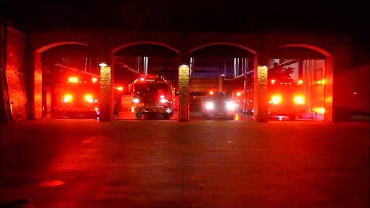 Texas Fire Department Puts On Festive Emergency Light Show Set To - Car light show