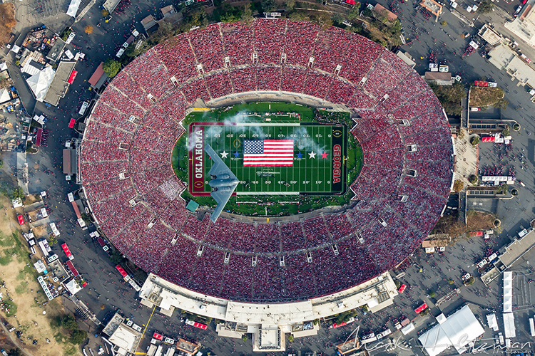 Photographer Explains How He Captured a Stunning Photo of a Stealth Bomber Flying Over the Rose Bowl
