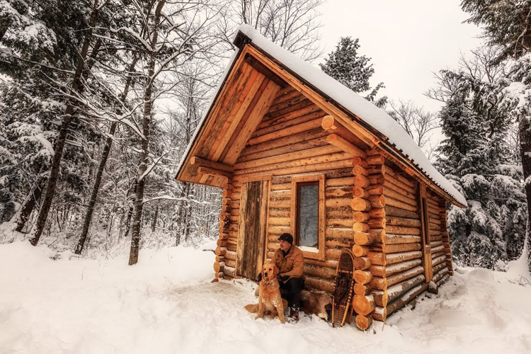 Fascinating timelapse of an outdoorsman building a log for How to build a one room log cabin