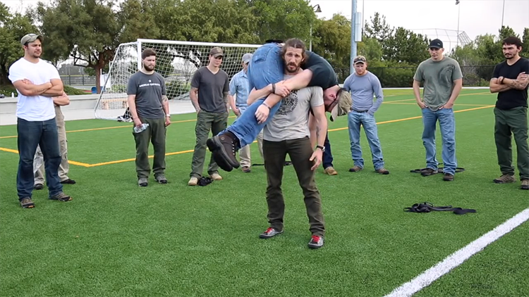 Former U.S. Army Ranger Shows How to Lift an Unconscious Casualty & Transport Them to Safety