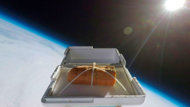What Homemade Garlic Bread Tastes Like After Floating Up 35 Kilometers Into the Stratosphere