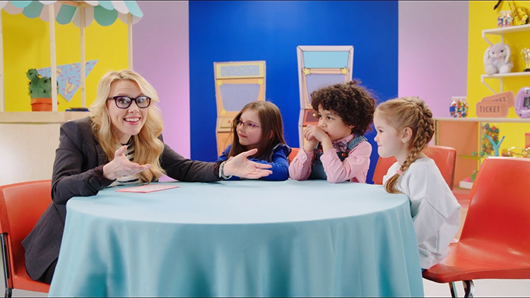 Kate McKinnon and Beth Kobliner Teach Kids About Money, Loans, Credit Cards, and Saving for Pizza