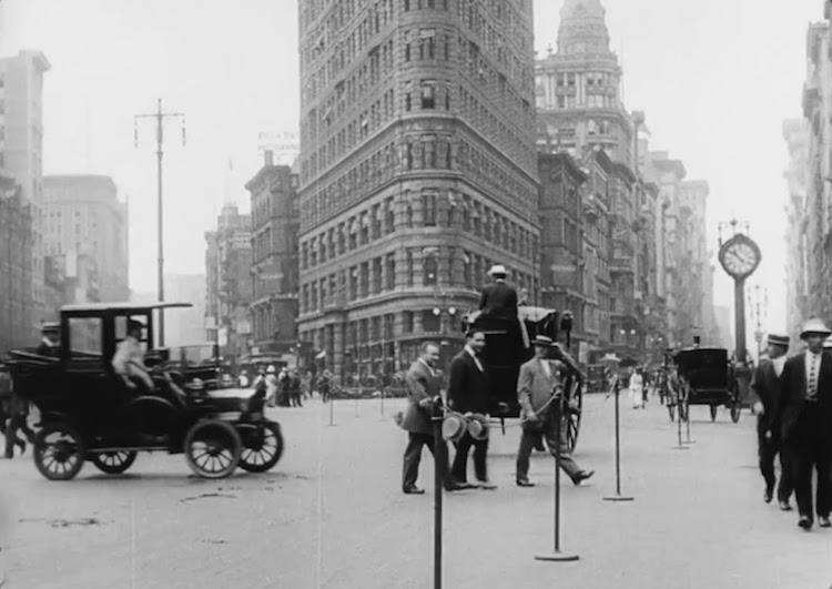 Historical 1911 Footage of Daily Life in New York City