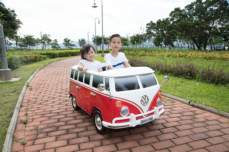 Volkswagen T1 Camper Van Battery Powered Ride-On for Kids