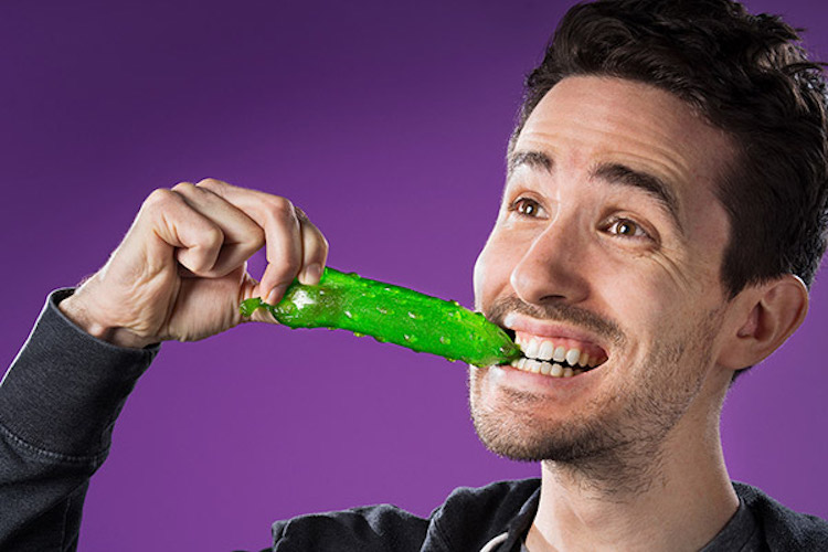 gummy-pickle-eating