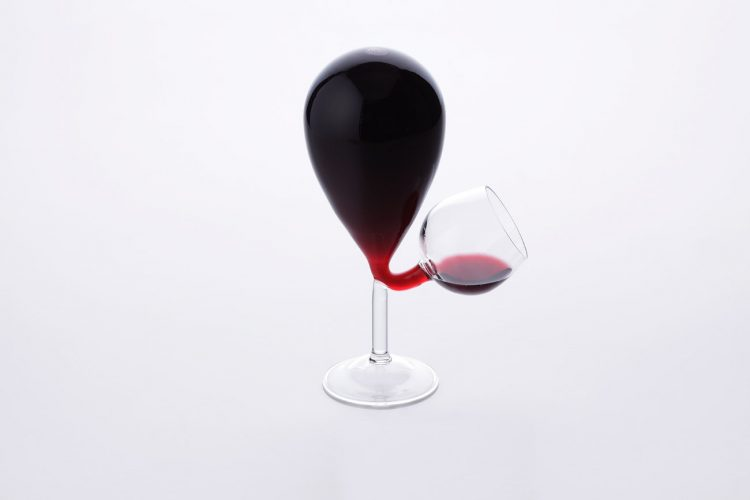A Dangerously Clever Self-Filling Wine Glass