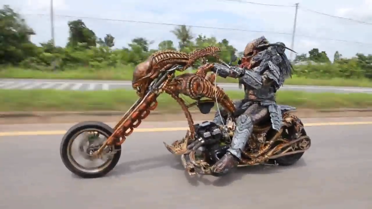Motorcyclist Dressed as Predator Rides Custom Xenomorph Motorcycle in Thailand