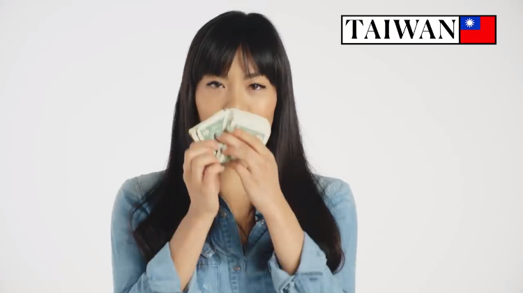 70 People From Around the World Share How They Count Their Money