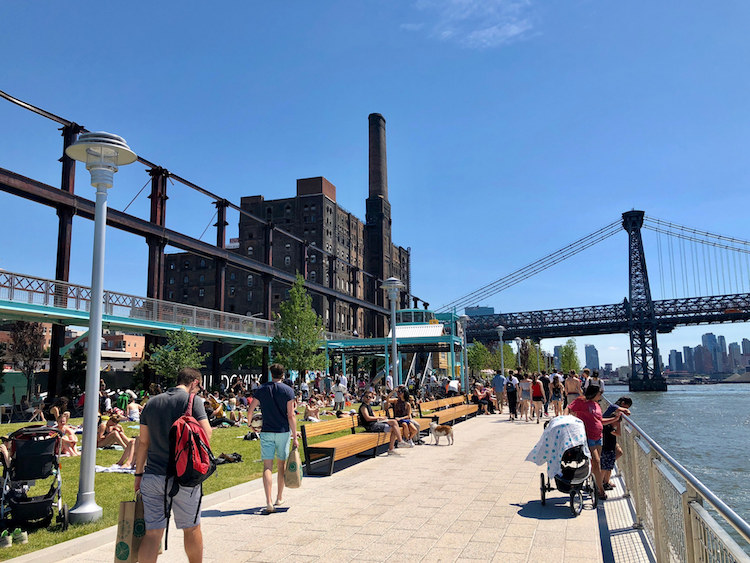 A Beautiful Park Created From a Dormant Domino Sugar Refinery Opens Up on the Brooklyn Waterfront