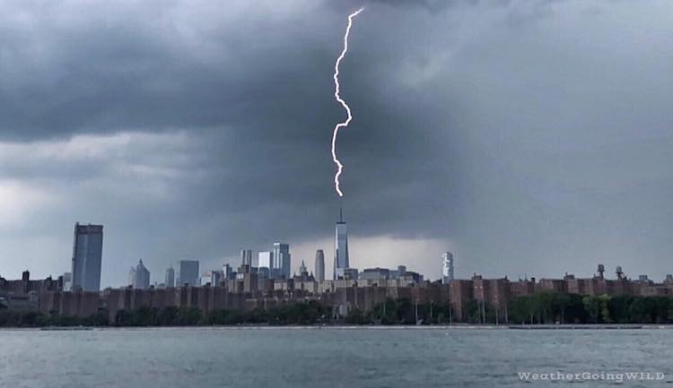 An Incredible Photo of Lightning Striking the Spire of One World Trade Center in New York City