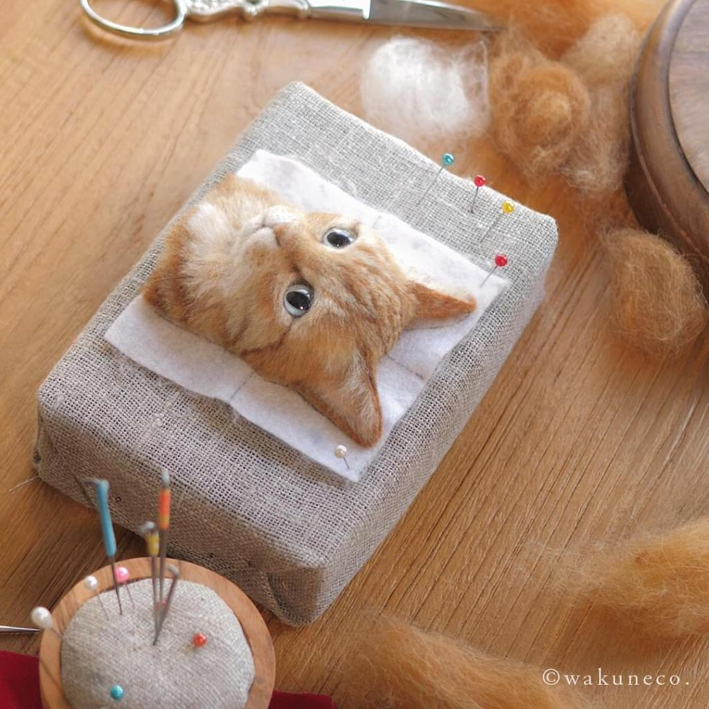 Stunningly Realistic Cats Crafted Out of Felted Wool