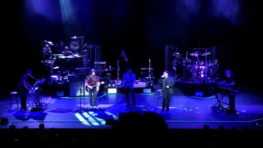 Toto Performs a Live Cover of the Weezer's 'Hash Pipe' Six Weeks After Weezer Covered Toto's 'Africa'