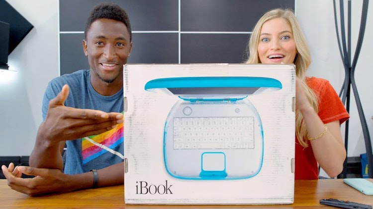 MKBHD and iJustine Giddily Unbox an 18 Year Old Factory Sealed Apple iBook G3