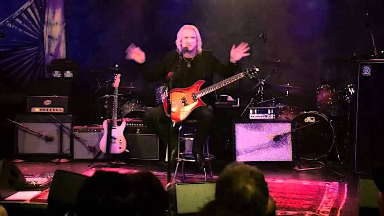Musician Joe Walsh Hilariously Explains the Meaning of 'Life's Been Good' to a Live Audience