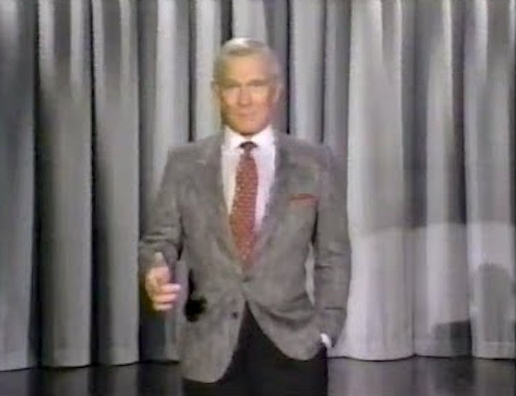 Tommy Smothers Does a Spot On Impression of Johnny Carson Making His Entrance on the Tonight Show