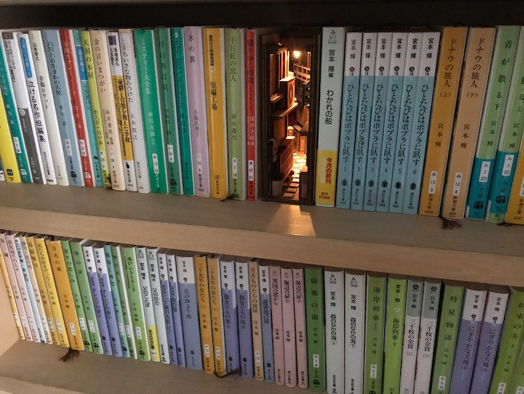Handcrafted Wooden Bookshelf Inserts Depicting 3D Dioramic Urban Back Alley Scenes With Working Lights
