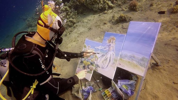 Diving Artist Paints What She Sees While Under Water